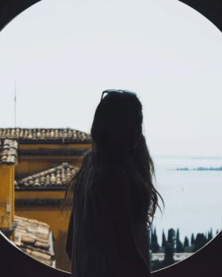 girl who settles