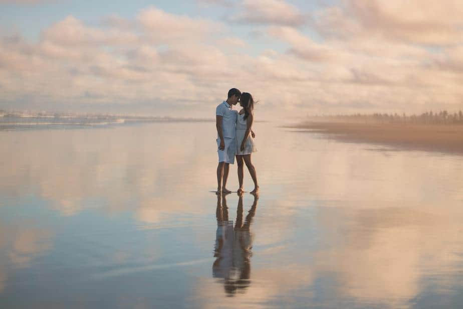 10 Tips On How To Manifest Love