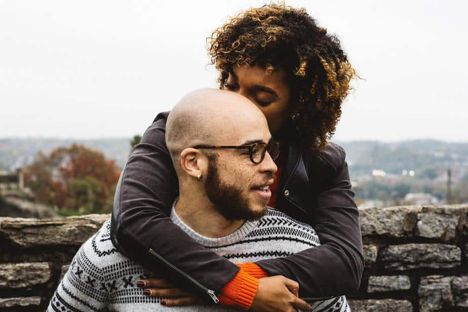 15 Signs of Unspoken Attraction Between Two People