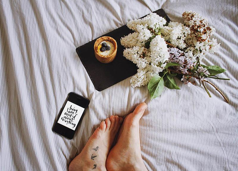 47 Good Morning Texts For Him: The Best Way To Start His Day