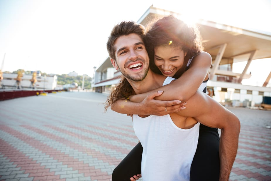 Are You Overly Attached 20 Signs Of A Clingy Girlfriend