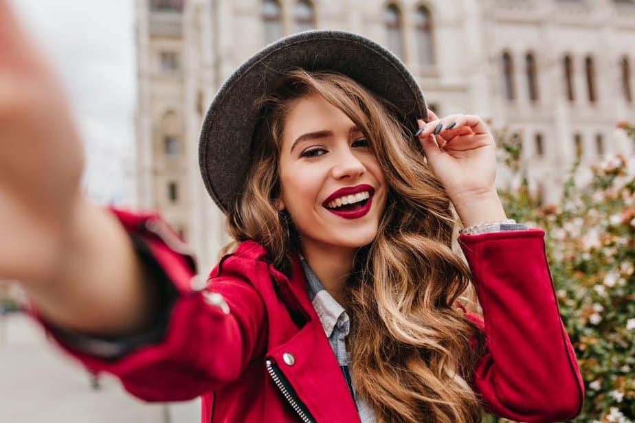 The Secret On How To Be More Feminine: 24 Feminine Qualities