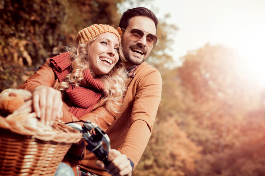 How Does A Man Act When He's Falling In Love? 15 Undeniable Signs