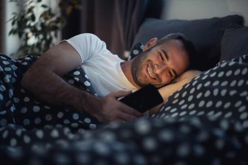 How Guys Text When They Like You: 20 Giveaway Signs