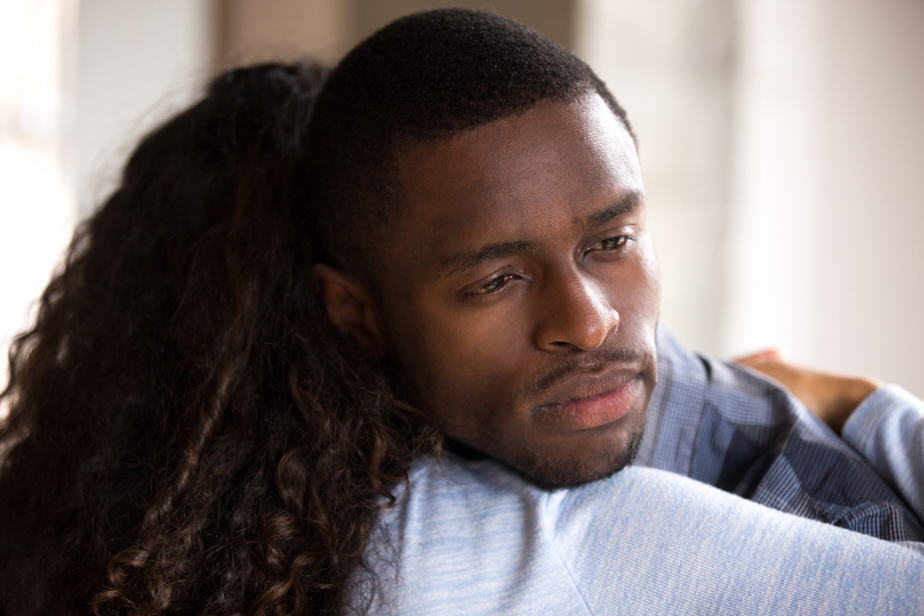 16 Undeniable Signs That He's No Longer In Love With You