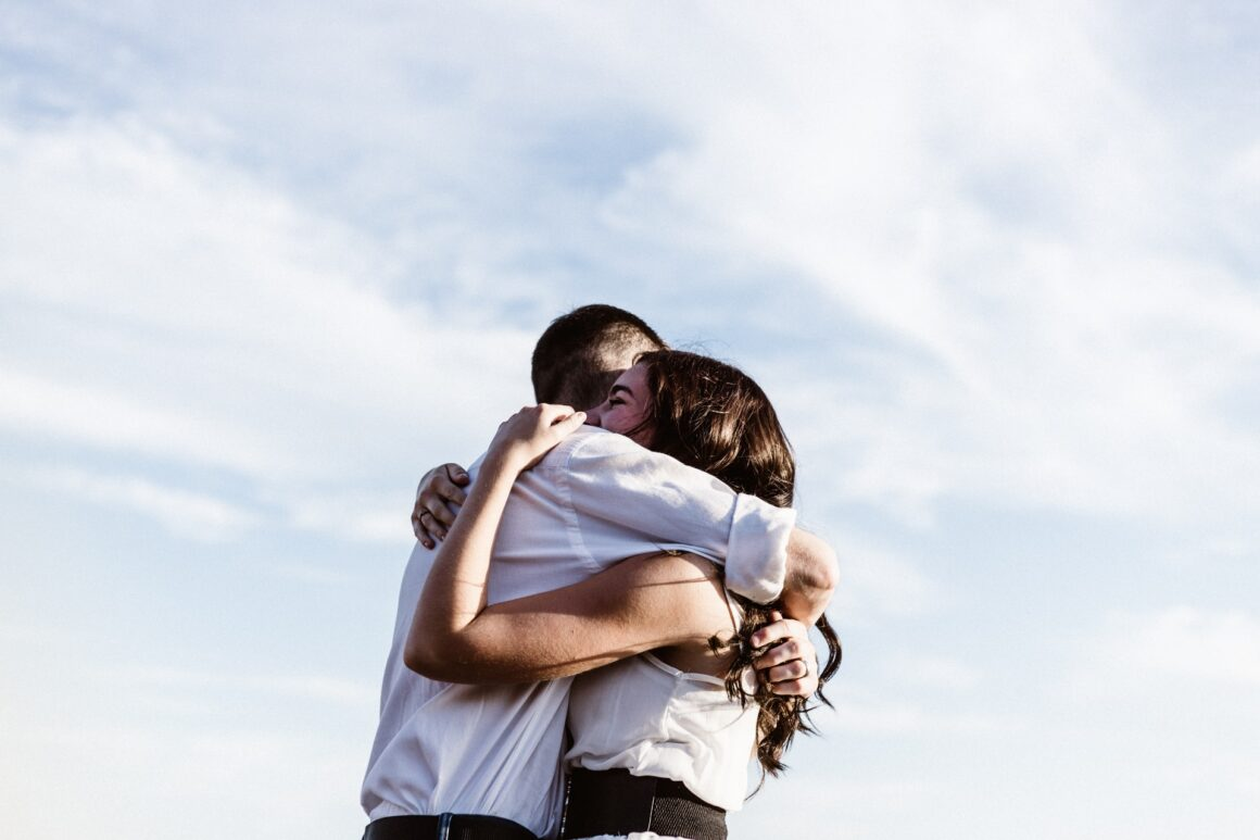 24 Signs That He Totally Adores You
