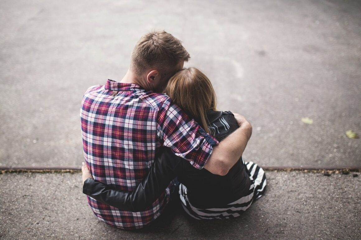 5 Key Things A Real Man Does When He's In A Relationship