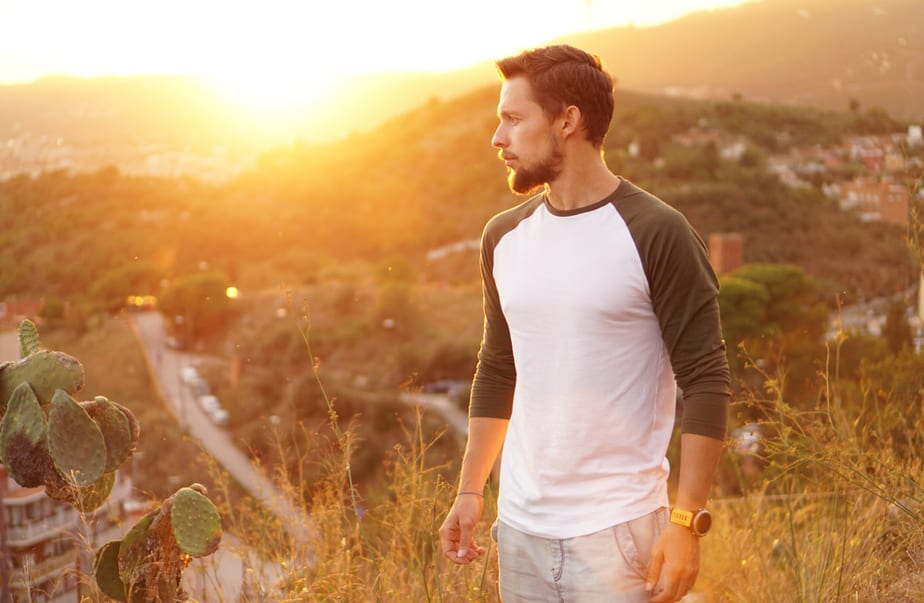 9 Signs He's Actually A Nice Guy, Not A Camouflaged Bad Boy
