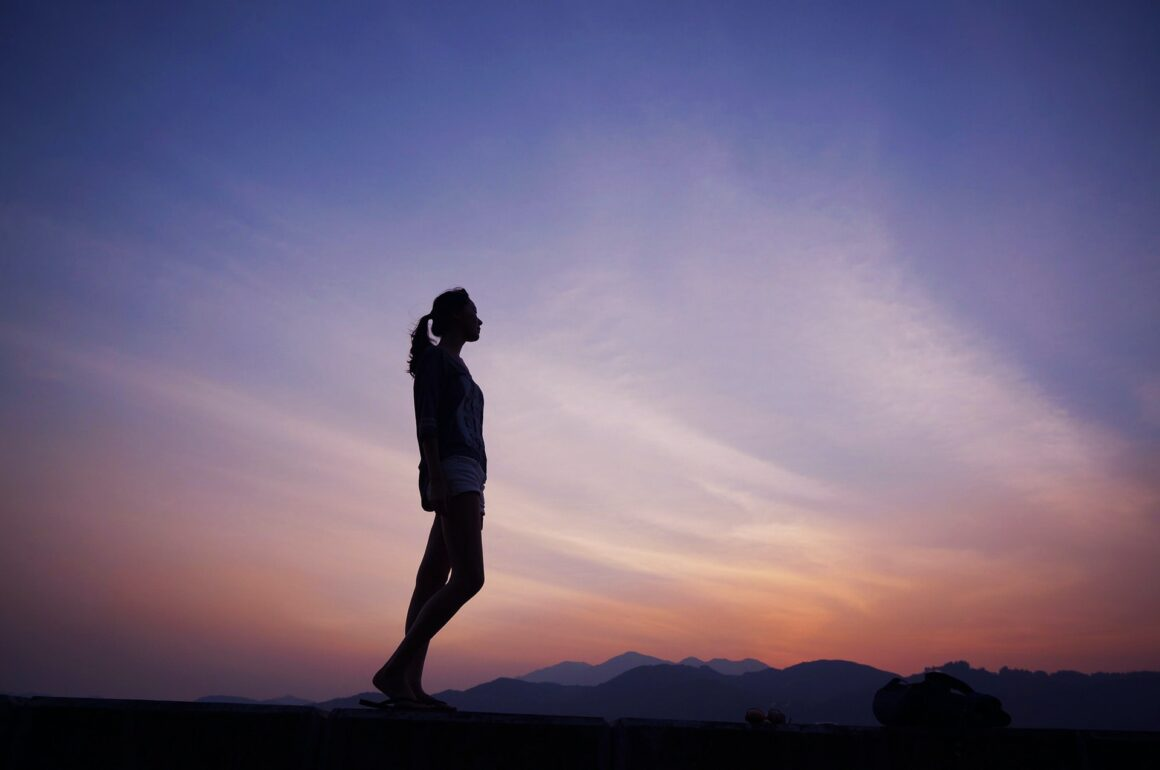 DONE! 7 Heartbreaking Signs You Are Just A Rebound