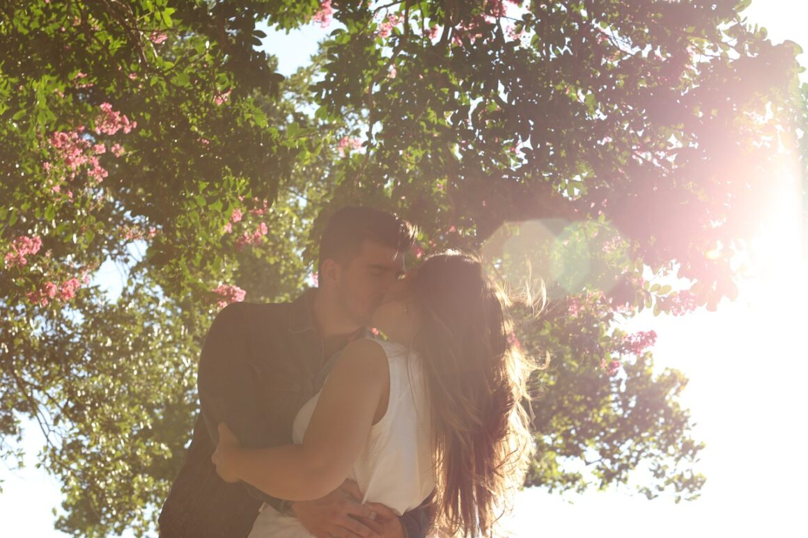 Sweet Words To Tell A Girl - 140 Phrases To Show Your Love