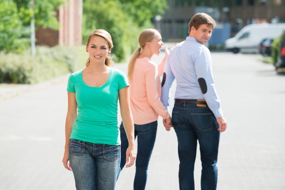 When Your Husband Looks At Another Woman, This Is What He Is Really Thinking