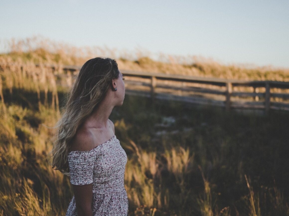 DONE! 30+ Walking Away From Someone You Love Quotes