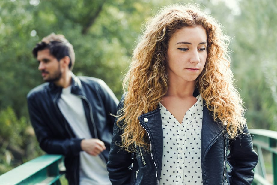 DONE! 7 Powerful Signs You Are Not Really Being Yourself When You're With Him