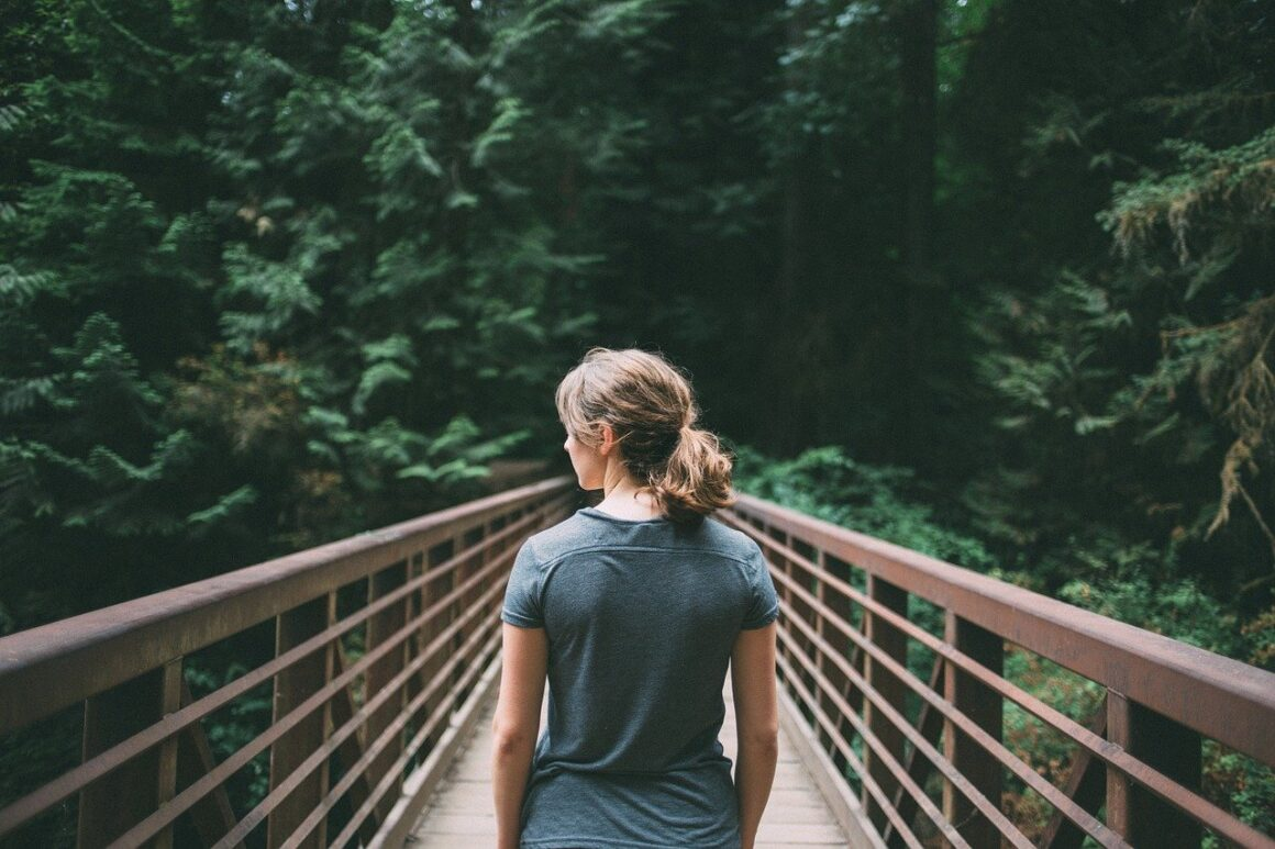 DONE! 7 Things You Can Do If Your Man Doesn't Want To Commit But Won't Leave You Either