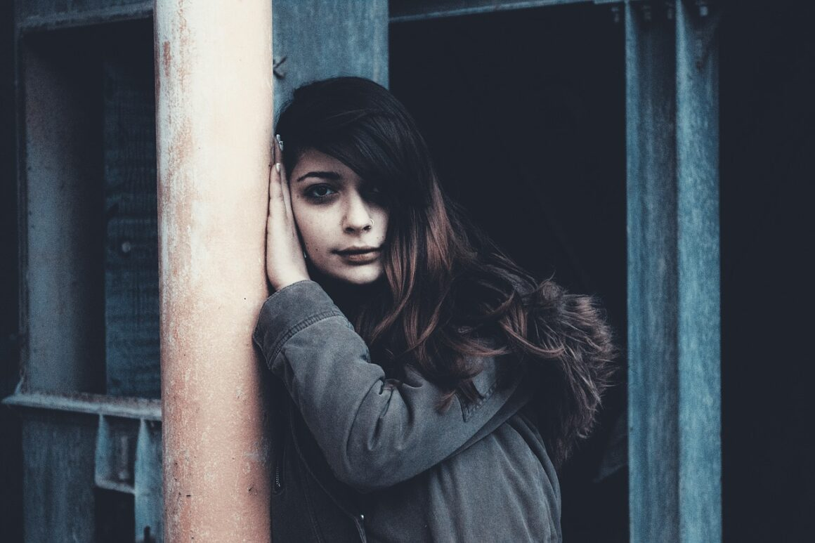 DONE! 7 Unexpected Signs That You Are An Emotionally Neglected Woman