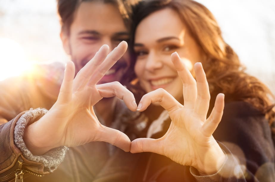 DONE! 8 Undeniable Signs You Have A Real Soul Connection With Your Partner