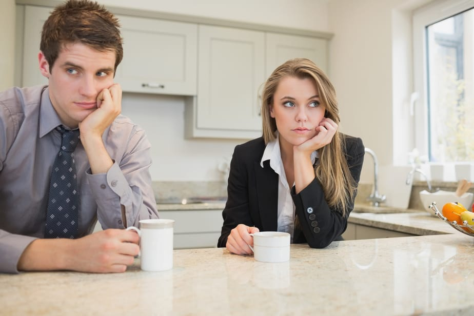 DONE! 8 Warning Signs You Are In A Relationship With The Wrong Person