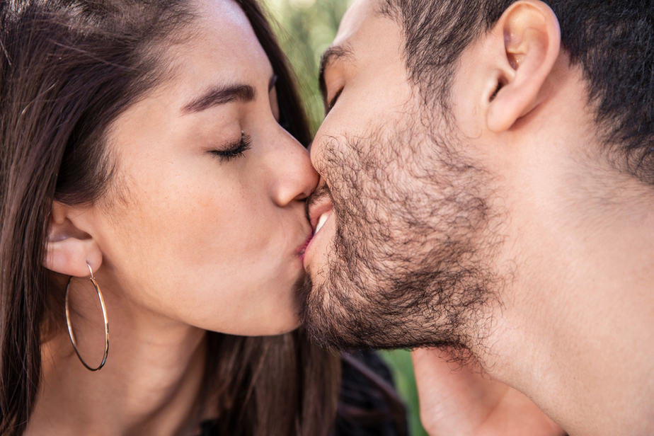 DONE! How To Tell He Loves You By His Kiss The Hidden Meaning Of A Kiss