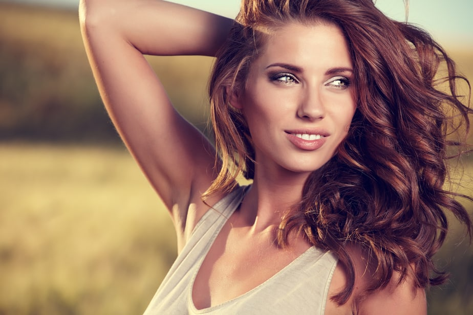 DONE! 10 Guaranteed Ways To Make Yourself Instantly Feel More Attractive
