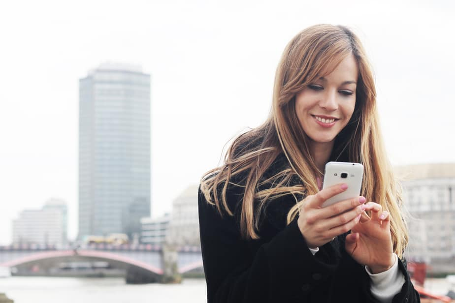 DONE! How To Tell If A Guy Likes You Through Texting 21 Surprising Signs!