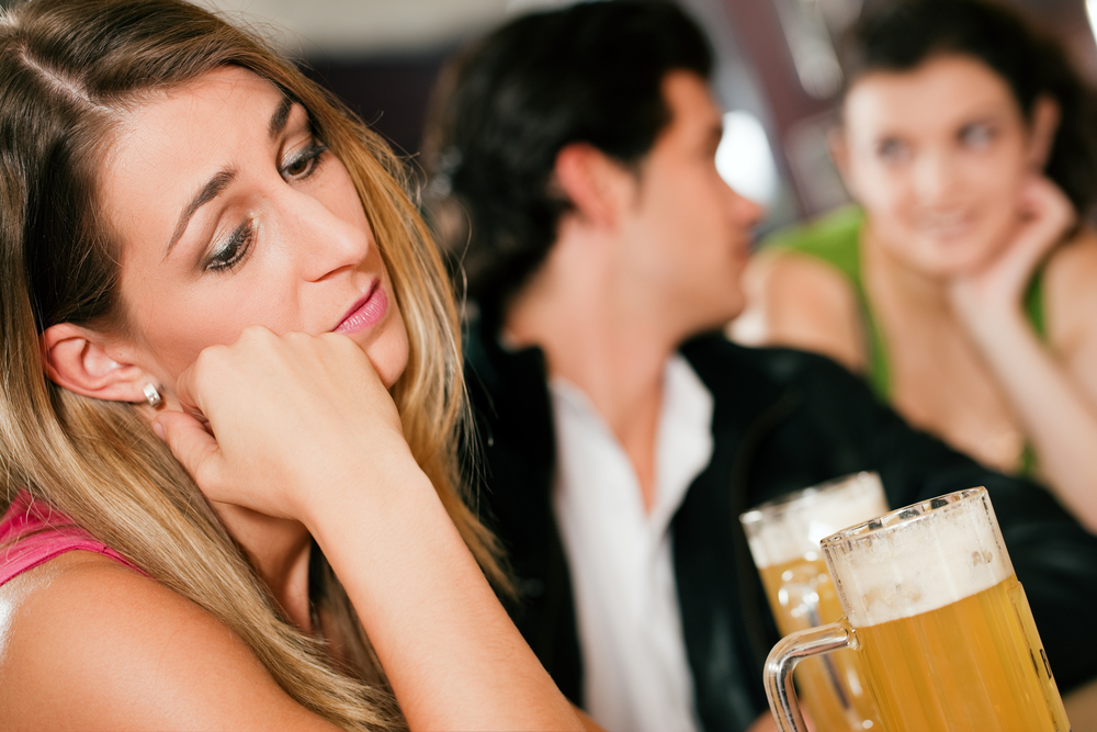DONE - 13 Clear Signs He's Trying To Make You Jealous (And How To React)