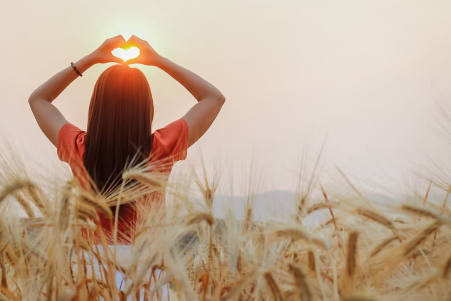 DONE! 13 Signs Of A Pure Heart That Show How Precious Those Who Have It Are
