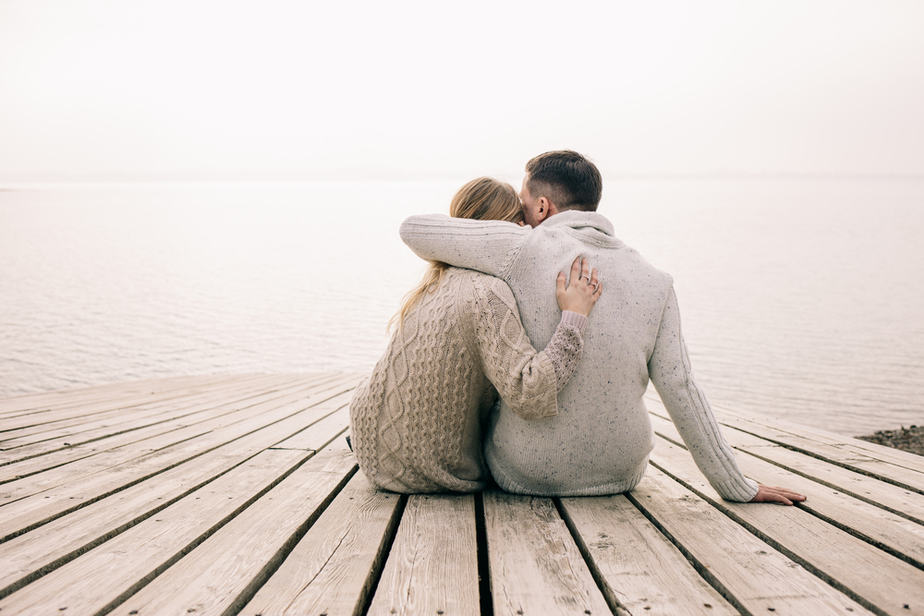 DONE! 13 Surprising Signs A Man Is In Love With His Mistress