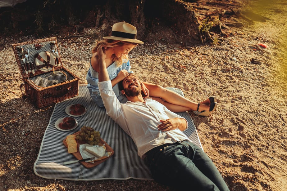 DONE! 18 Revealing Signs She Wants A Serious Relationship With You