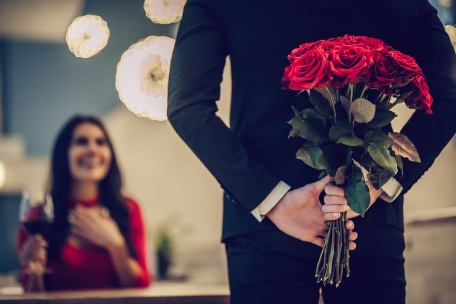 DONE! 6 Obvious Signs Of Love Bombing And What It Actually Entails