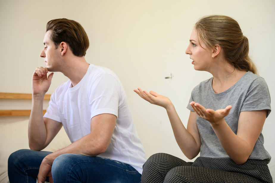 DONE! These 6 Subtle Signs Tell He Cheated On You Even Though He Won't Admit It