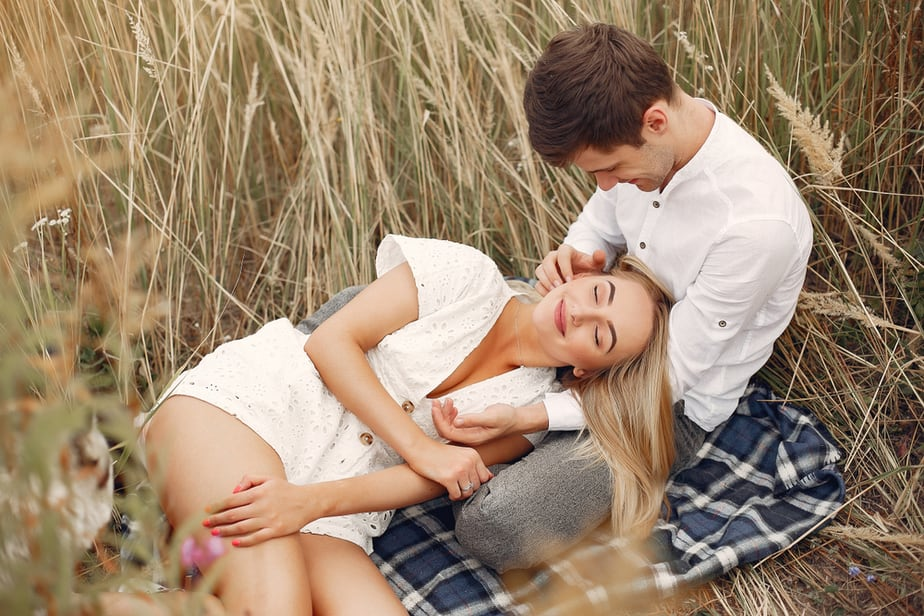 DONE! 5 Things A Man Has To Feel To Fall In Love With You