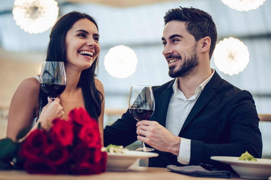DONE! 7 Ways To Spot A Narcissist On Your Very First Date