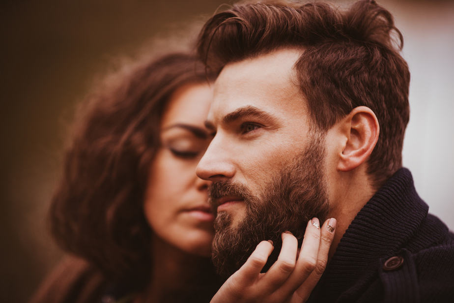12 Surefire Signs He Wants Something Serious With You