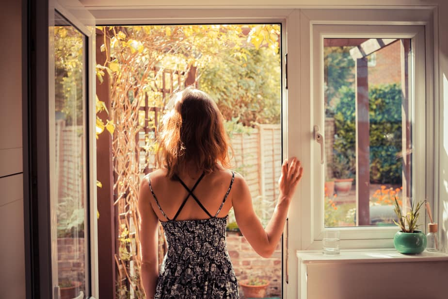 11 Tips On How To Deal With Your Boyfriend Moving Away