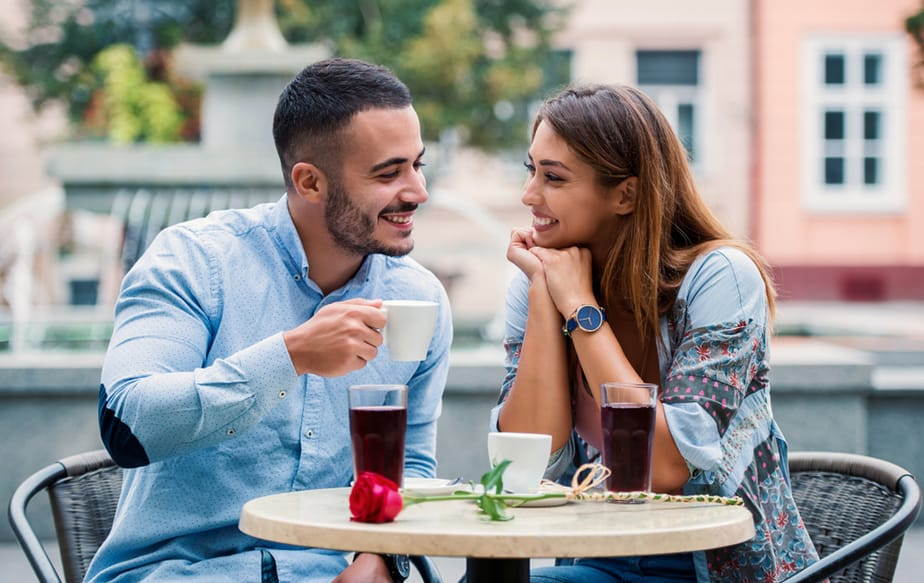 11 Undeniable Signs Of Chemistry Between Two People