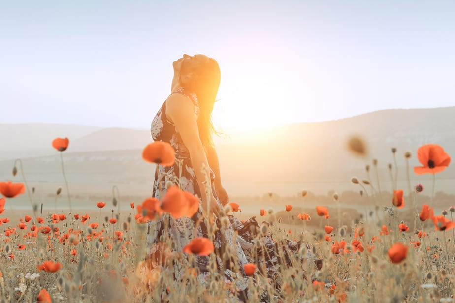 11 Undeniable Signs Your Twin Flame Is Coming Back Into Your Life