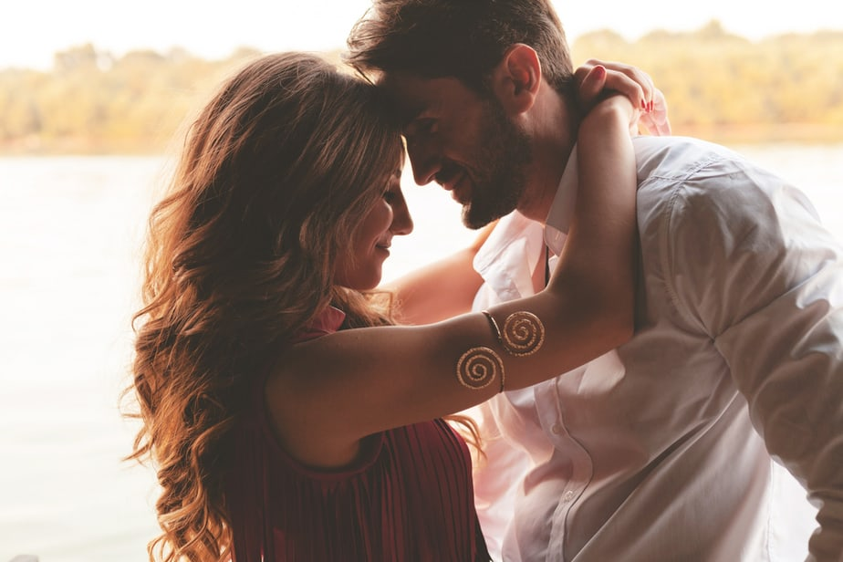 DONE! 6 Obvious Signs He's Your Happily Ever After