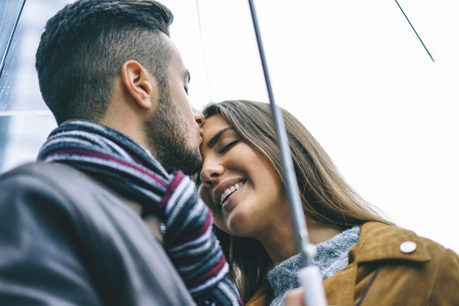 DONE! Forehead Kiss Secret Meanings Behind This Adorable Gesture