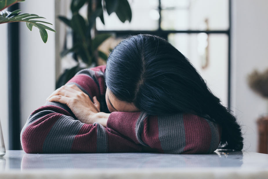 DONE! Read This If You're Stuck In A Relationship And You Don't Know How To Move On