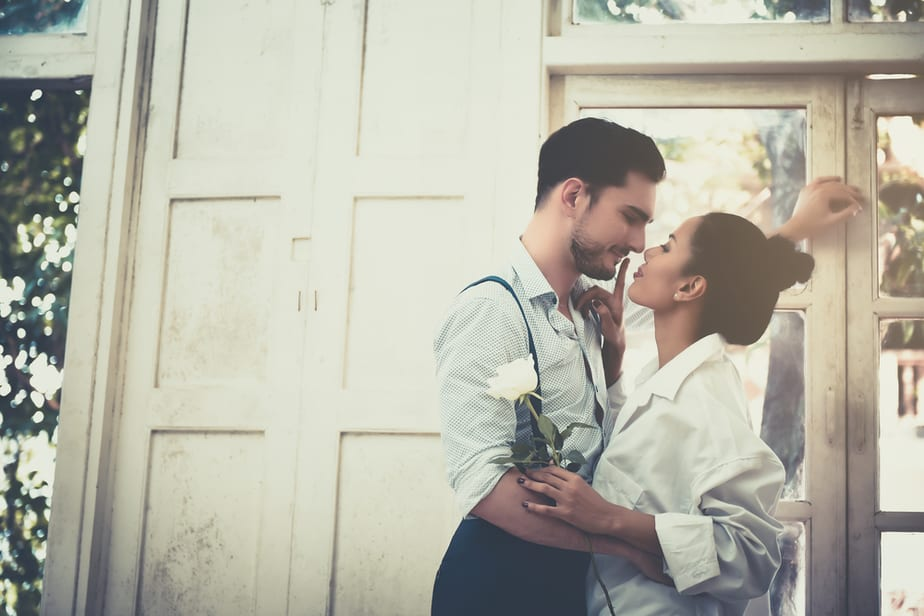 DONE! 12 Not-So-Subtle Signs She Is Desperate For Marriage
