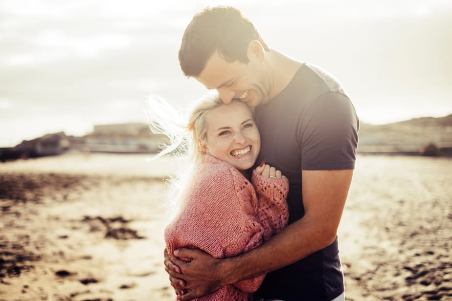 DONE! 17 Bona Fide Signs Of True Love From A Man