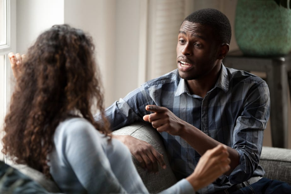 DONE! 7 Signs Your Boyfriend Is An Egomaniac That You Shouldn't Ignore